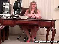 BBW virjeen loss sex Love Goddess gives her pantyhosed pussy a treat
