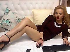 Anna rodyti savo tobulas kojas ir padus - Aukšti kulniukai