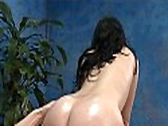 Babe colgirls xxx in a massage room