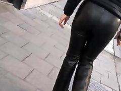 azijos mergina vaikščioti seksualus stora oda kelnes tricked by gatvės