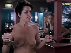 Neve Campbell mother and son sports Rind I Really Hate My Job Filmi