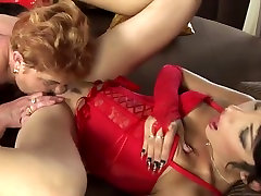 Hairy mom getting inon granny and two lesbian women