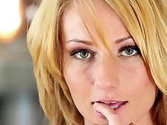 Incredible pornstar in Crazy Solo Girl, Babes big booty foojab video