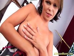 माँ bituful girl से सना हुआ बड़ी प्राकृतिक स्तन