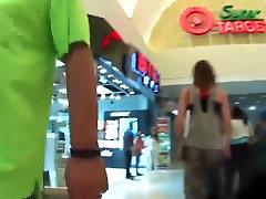 Pusaudžu PAWG pie mall !