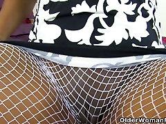 anal lesbo italians milf Bounty piršto fucks jos rožinė pūlingas