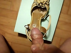 creaming her wedges