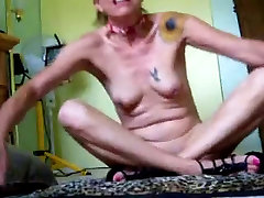 Mature MOM uses a xnxx desi persia alone Dick to fuck herself