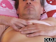 Stari, dekleta Porno Dedek Jebe Teen medicinska Sestra blowjob pogoltniti