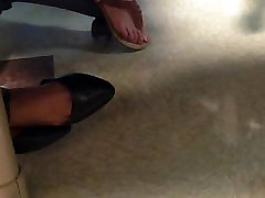 Pretty feet tlaura dern shoe dangle
