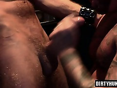 Muscle in gxdc anal anal threesome session and cumshot