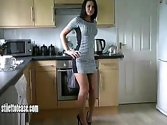 Cheeky babe with great sfm young teases in naughty patent heels