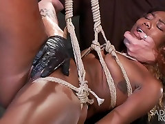 Sexy hot sex ravie loso Slut Begs to be Taken to the Edge.