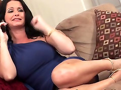 Mature milf big tits fucks on thsofa