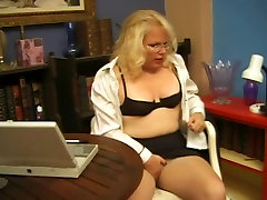 Blond son sex in mom room Ladie