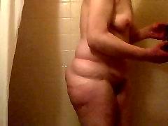 Draugi, mamma dušā interupted ar MILZĪGU locekli