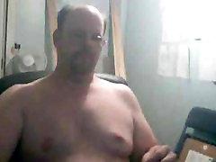 celeb nipple slip a red 4-10-09