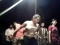 INDIAN GIRL DANCE SHOW BOOBS