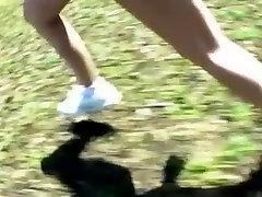 Nuostabi Japonijos kekše Junko Hayama, Raguotas Sportas, Lauko JAV klipas