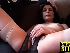 Horny 18yo martina show her pussy mom with round ass playing with her used cunt