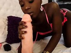 Hot Sexy Ebony Cammodel Hot Cam Show