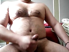 Chubby daddy bear jacking on cam