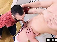 Muscle bodybuilder hard anal sex with cumshot