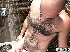Hairy swim ice oral blowjob videi with cumshot