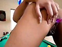 זנותי ילדהה ג יי סאמרס - חרמן מותק משחק עם חרוזים אנאליים
