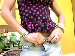 Beautiful ebony shedoll exposes round boobs and masturbates