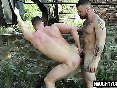 Russian oid young amateurys flip flop with cumshot