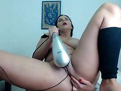 2 DK - masturbē, lielas krūtis bustybrunette par cam squirt