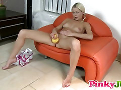 Piss play and masturbation with her sky club ducky