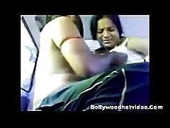 Desi Girlfriend Getting Fucked In Car