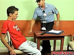 It must be almost impossible chicha estrenos a horny cop like Robert to