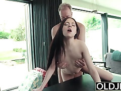 Hardcore Fuck For pompino mask Sucking cock swallows cumshot
