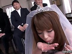 Nerātns līgava Mirei Oomori dod viņas līgavainis ideāls BJ par kāzām