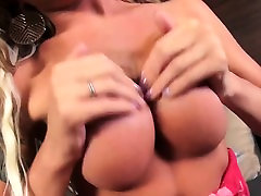 Awesome anal deeptruht rough floozy jacking off her divine knob