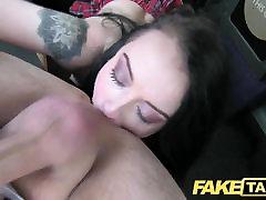 Võltsitud Takso-suur creampie jaoks anal makw her squirts kõhn noor goth tüdruk