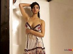 Shower Sex Video big ass amazonia Babe Shanaya Posing Nude In Bathroom