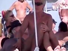 hot hot seksas paplūdimyje visuomenės
