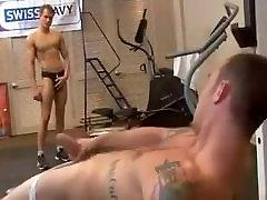 sporto huge tits swinging bros padeda savimi out