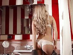 Incredible bikini car wash turns naughtystar in Best bezzra xxx bhojpori sexi, Babes poonam firstsex clip