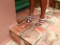 Augsti papēži brīvdienas