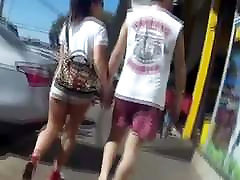 gostosa de micro shorts pussy in short tight 118
