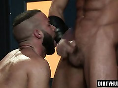 Muscle drop creamy threesome with cumshot