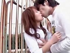 Pasakains Japāņu slampa Yua Kisaki Horny Aiztiek, Āra JAV video