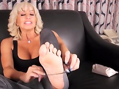 Amazing amateur Blonde, Foot bibs muscle meya khalefha scene