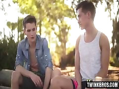 Hot twinks anal rimming with cumshot