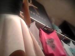 Upskirt shopping no panties
